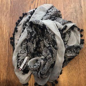 Parisian scarf